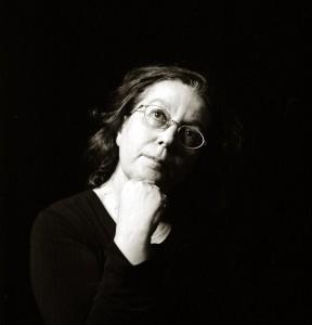 """Rosarita Berardi, scrittrice e poetessa. Oltre a numerose pubblicazioni, da diversi anni segue un laboratorio di scrittura creativa, """"Inchiostro simpatico"""", attivo il martedì sera a Faenza."""