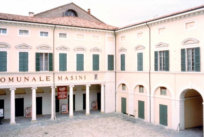 Piazza_nenni_faenza