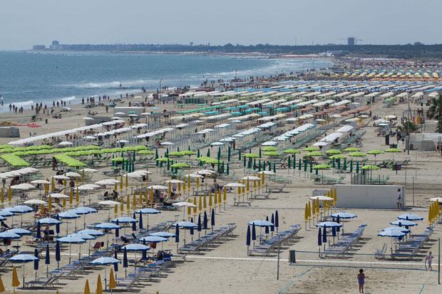 Matrimonio Spiaggia Marina Di Ravenna : Bandiere blu lidi ravennati e cervia conservano il
