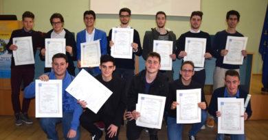 Gruppo Classe Alunni diplomati as 2016-17 Itip Bucci