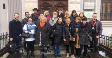 Cerasmus+ Foto di gruppo dei partner a Boleslawiec