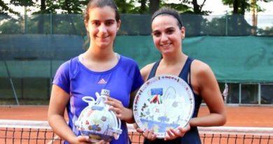 tennis da sinistra Alessia Ercolino e Chiara Arcangeli, rimaste a rafforzare il Tc Faenza in Serie C dopo l'esperienza in A1